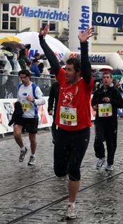 Trainer Kronsteiner beim Linz Marathon